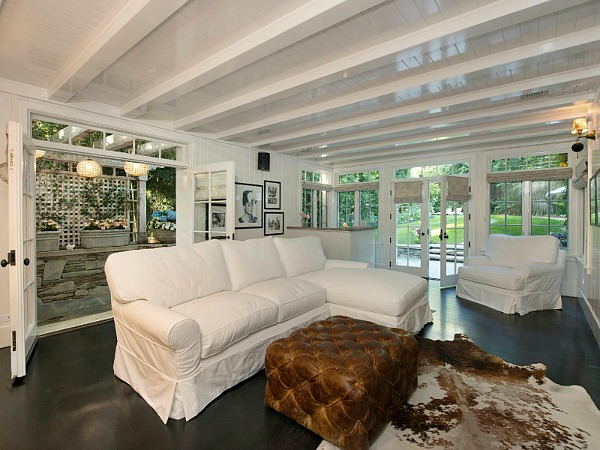 Jessica-Simpsons-house-in-Beverly-Hills-5