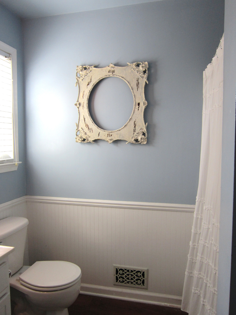 Easiest way to hang pictures for Bathroom pictures to hang on wall