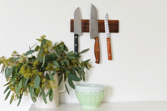magentic knife bar - brilliant storage ideas for your kitchen