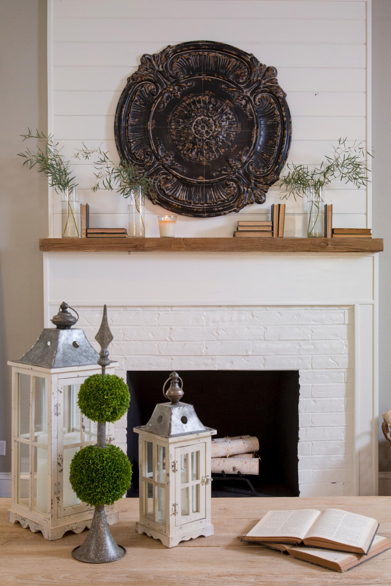 Room from fixer upper for Fireplace wall decorating ideas