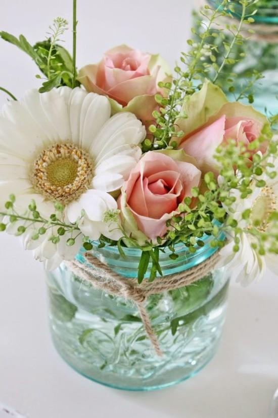 mason jar with daisies