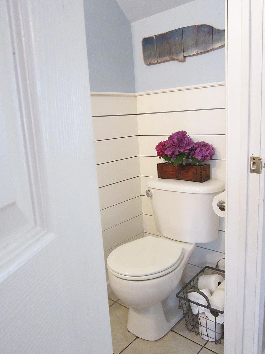 Half bathroom makeover for Small half bathroom designs