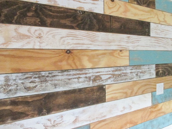 distressed-plank-wall-2-747x560