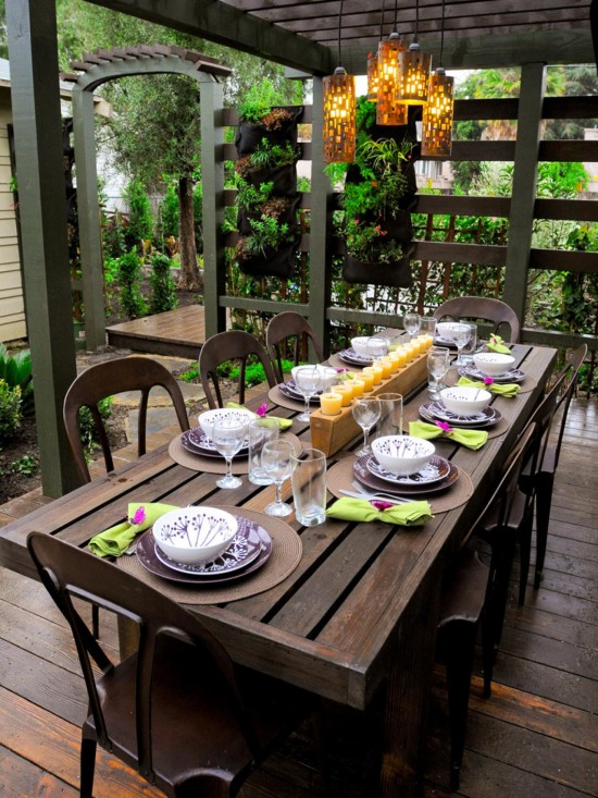 shady outdoor dining