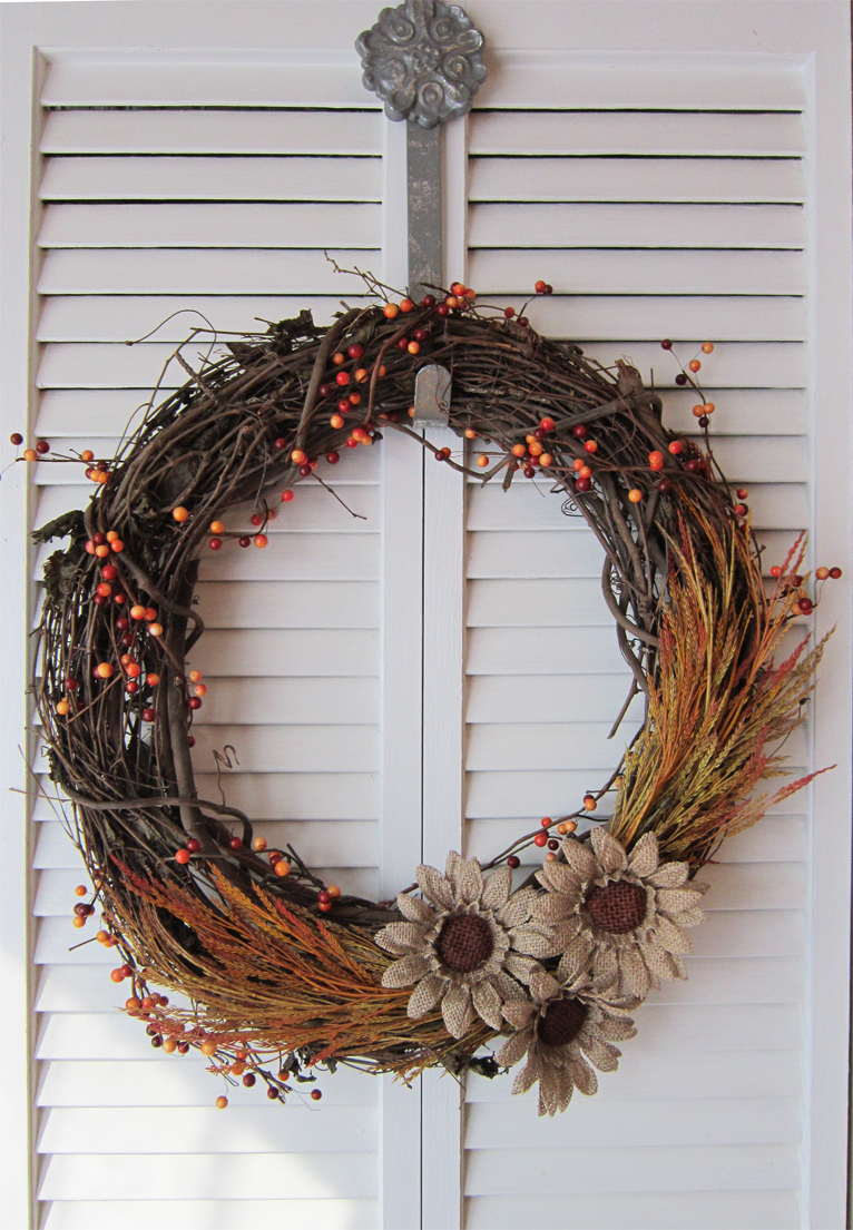 DIY Fall Wreath - The Honeycomb Home