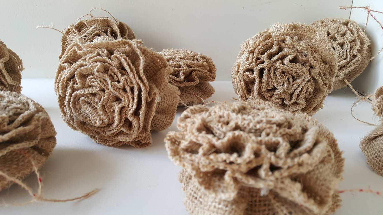 Ruffled burlap ornaments home for christmas for How to make burlap christmas decorations