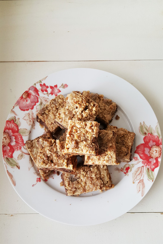 Oat Bars with Chocolate and Caramel