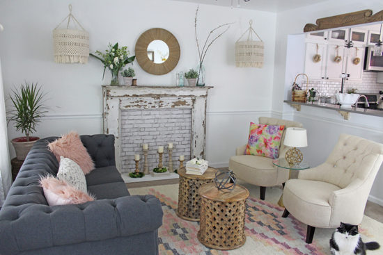 Decorating a small living room, scale of furniture. decorating do's and don'ts