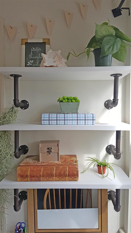 DIY Shelves - The Honeycomb Home