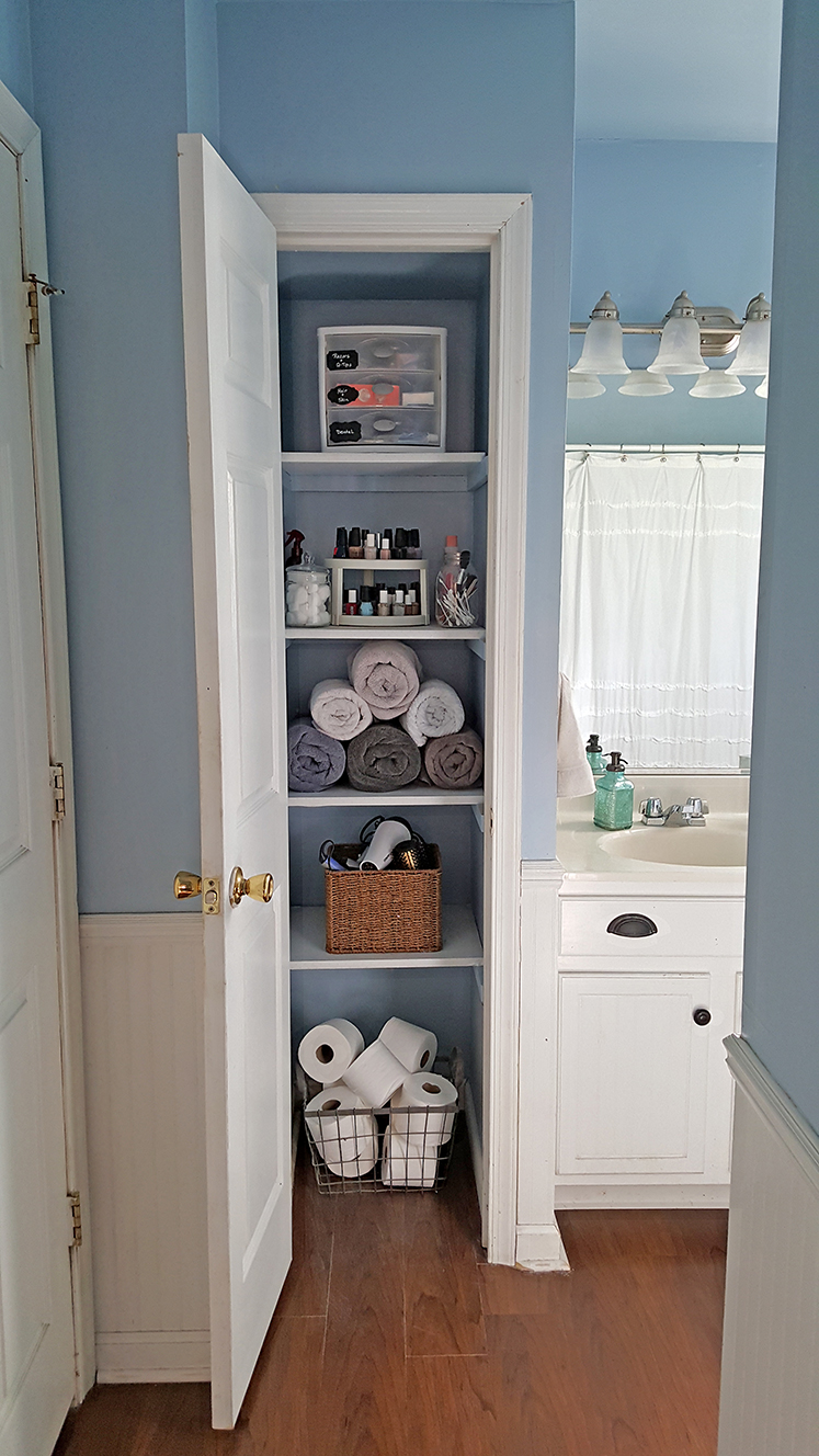 Organized Linen Closet - The Honeycomb Home