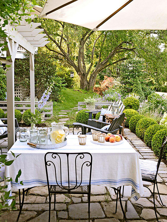 pretty backyard patio BHG