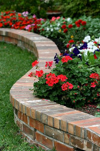 curb appeal ideas-curved flower bed