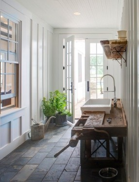 10 Transitional Spaces