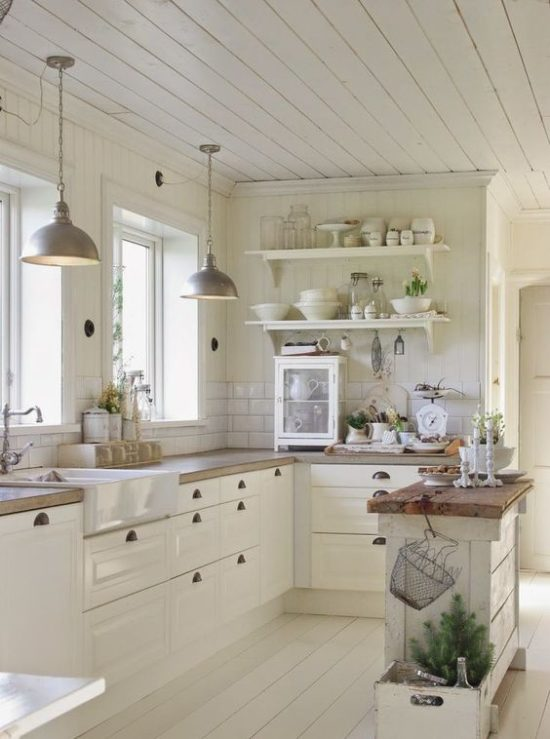 Eat-In Kitchen Islands -