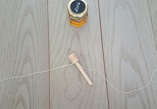How to make graduation party favors honey jars