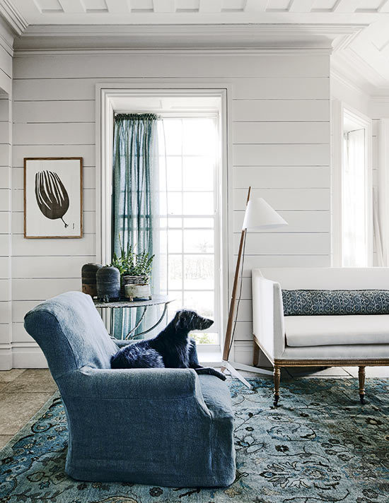 Pared-back-country-Living-Room-Homes-Gardens-