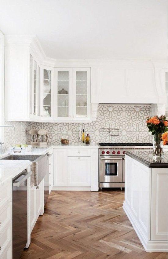 Kitchen with patterned backsplash