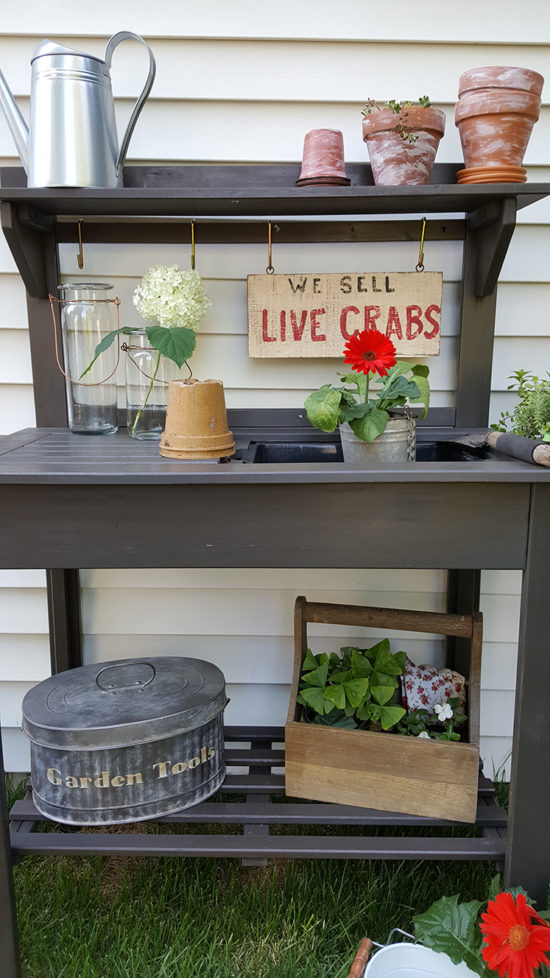 potting bench organized gardening