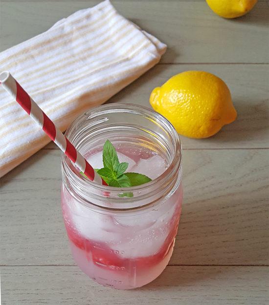 Refreshing Lemonade Recipe with Raspberries and Club Soda