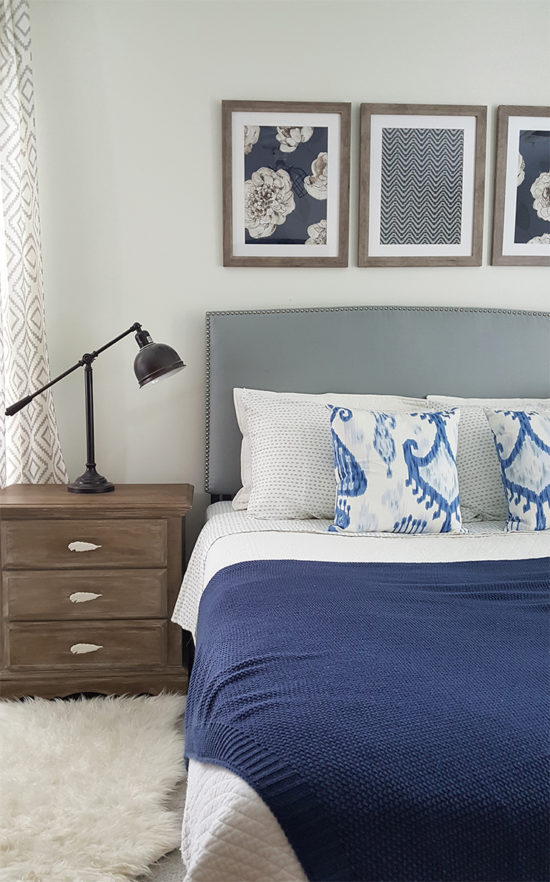 budget decorating ideas blue and white bedroom