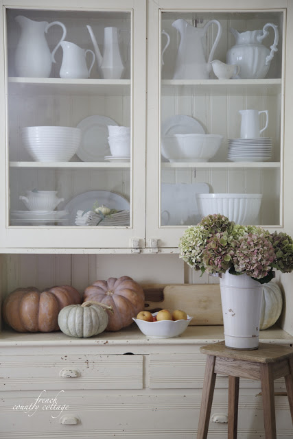 french country cottage shelves