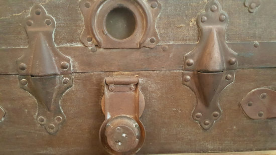 steamer trunk hardware