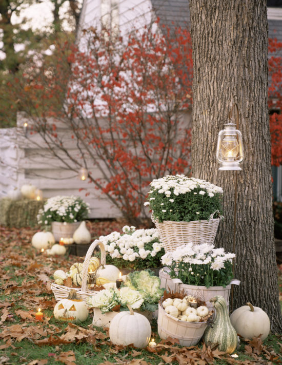 fall-decorating-with-white