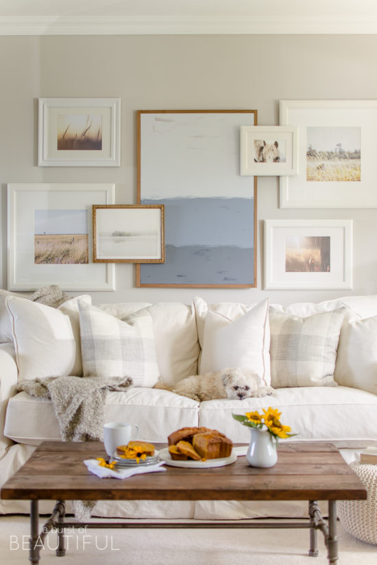 fall-home-tour-living-room-gallery-wall