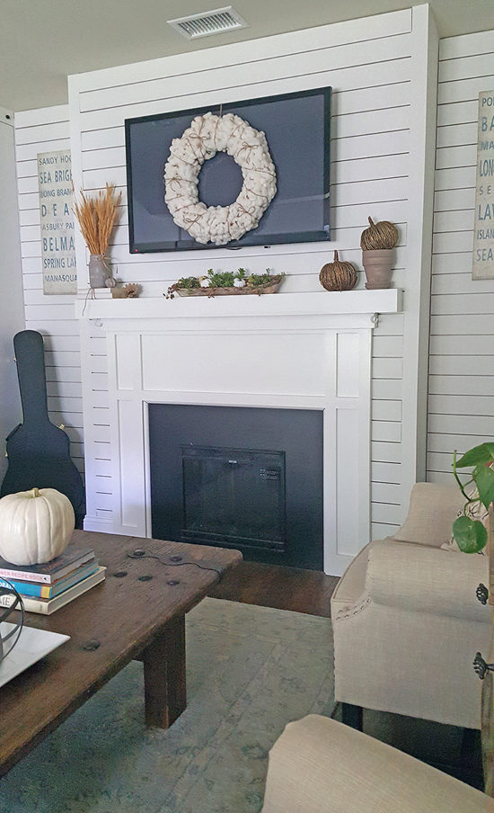 fall-mantel-the-honeycomb-home