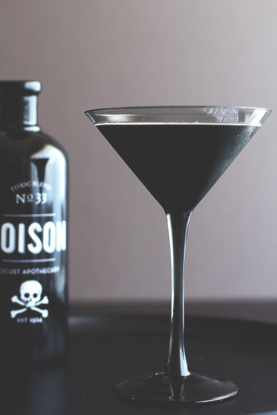 Halloween food and drink ideas, blackbeard cocktail