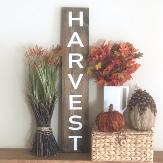 harvest-sign-fall-decorating-ideas