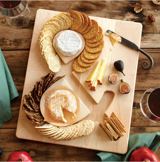 server-for-cheese-and-crackers