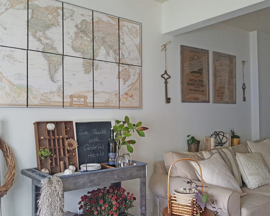 diy-wall-decor-ideas-framed-map-and-burlap-sacks