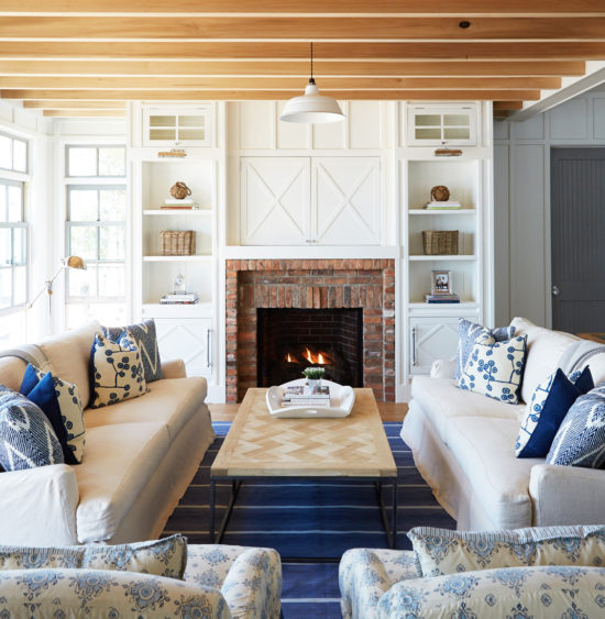 decorating-with-blue-and-white-farmhouse-style