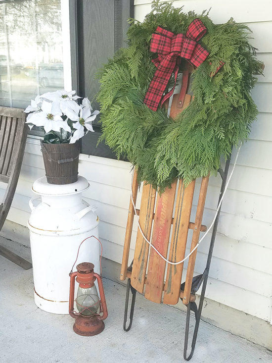 christmas-decorating-ideas-sled-with-wreath-wreath-giveaway