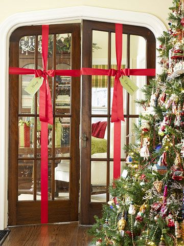 Christmas decorating ideas ribbon