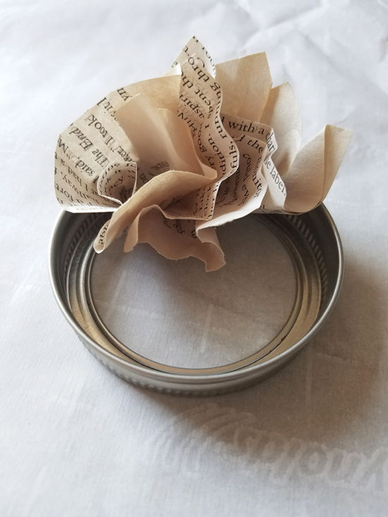 book-page-wreath-ornaments-christmas-diy