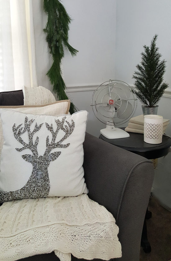 white-and-silver-christmas-decorating
