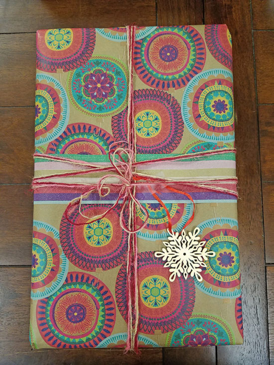 bright-and-colorful-gift-wrapping-ideas