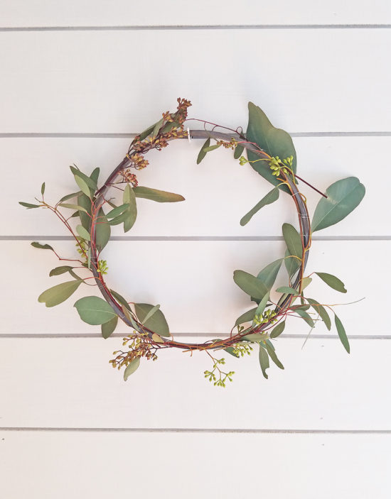 DIY Simple Spring Wreath, This wreath is so simple and it only cost a few dollars to make!