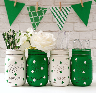 St patrick 39 s day decor for Shamrock decorations home