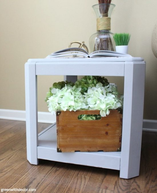how-paint-table-chalky-paint-easy-way-after-wood-crate-hydrangeas-vase-sticks-domino-book-camelback-walls-4