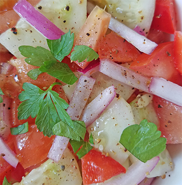 Tomato Salad With Cucumber Dressing