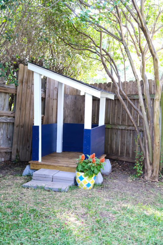 diy-backyard-playhouse-1-of-10