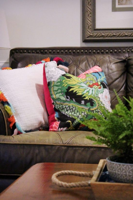 decorating-over-time-pillows