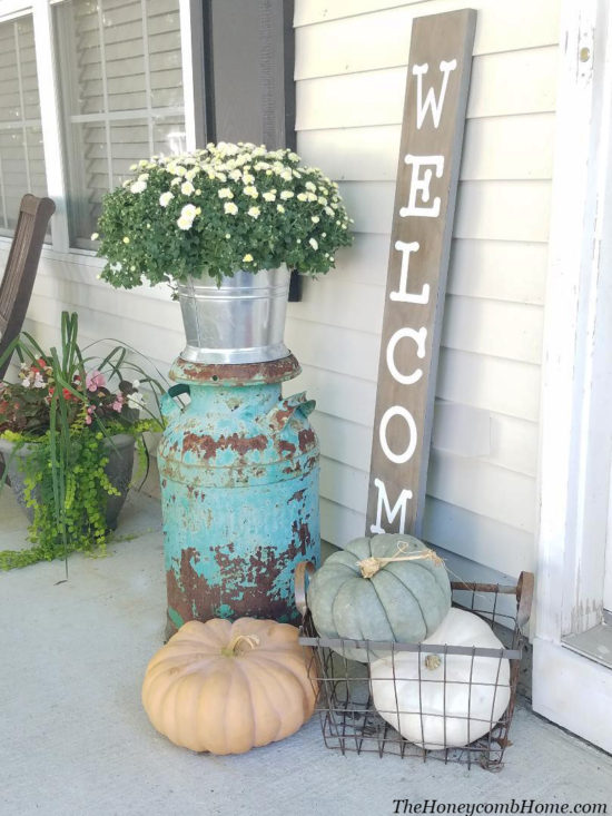Outdoor fall decorations, fall porch ideas, outdoor halloween decorations