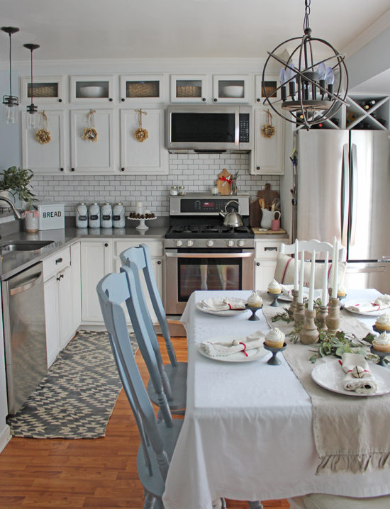 Light and bright Christmas kitchen ideas