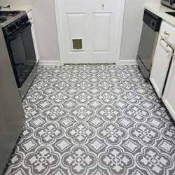 Painting linoleum flooring with a stencil