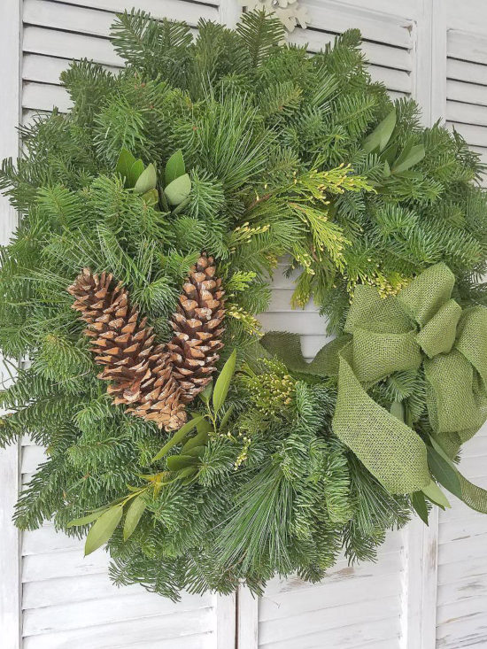 Christmas-Wreath-Giveaway