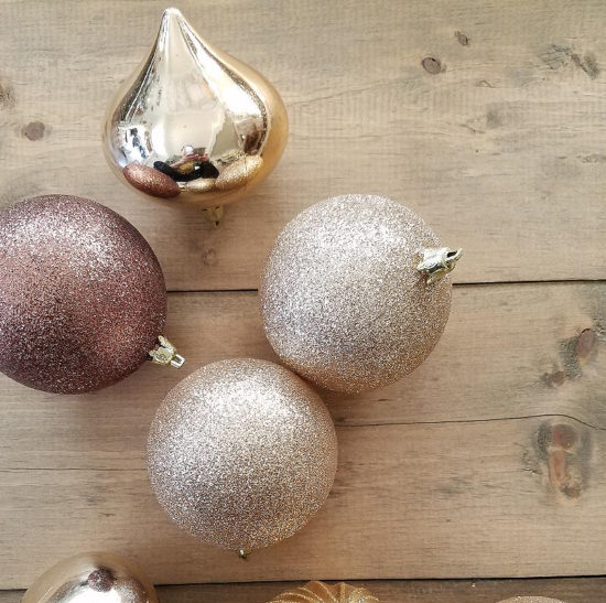 Christmas decorating ideas - with ornaments